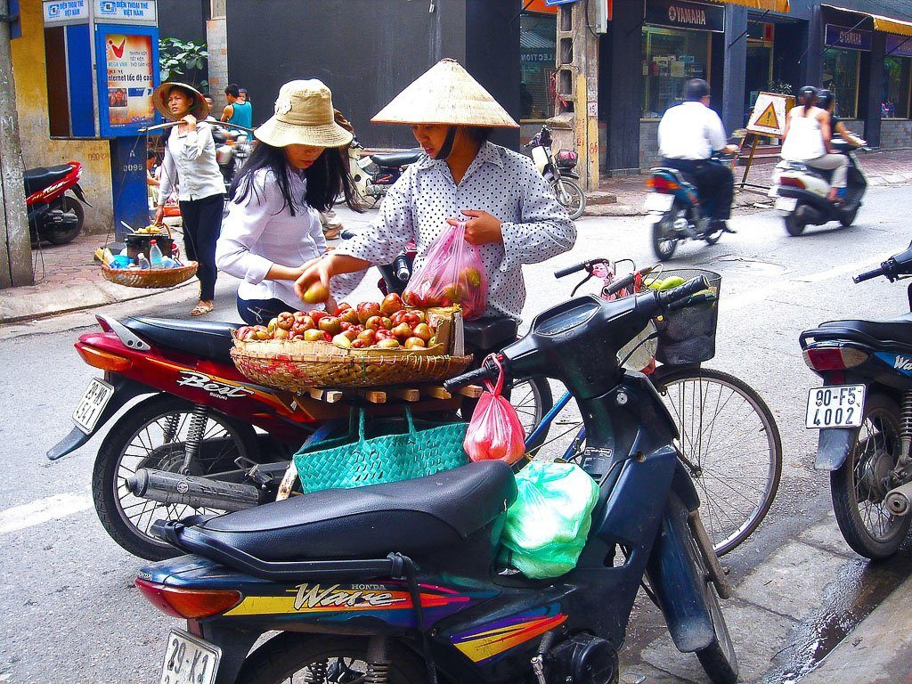 Fruit Seller Hanoi I First Time Visitor Tips: Hanoi & Halong Bay