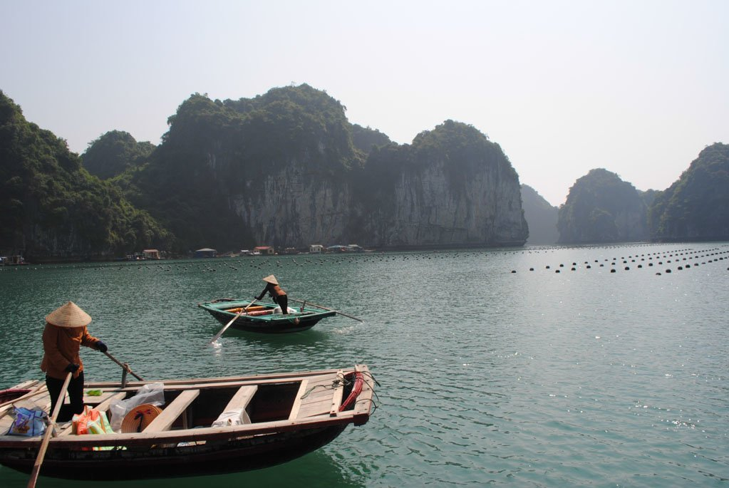 Halong Bay Boats I First Time Visitor Tips- Hanoi & Halong Bay_