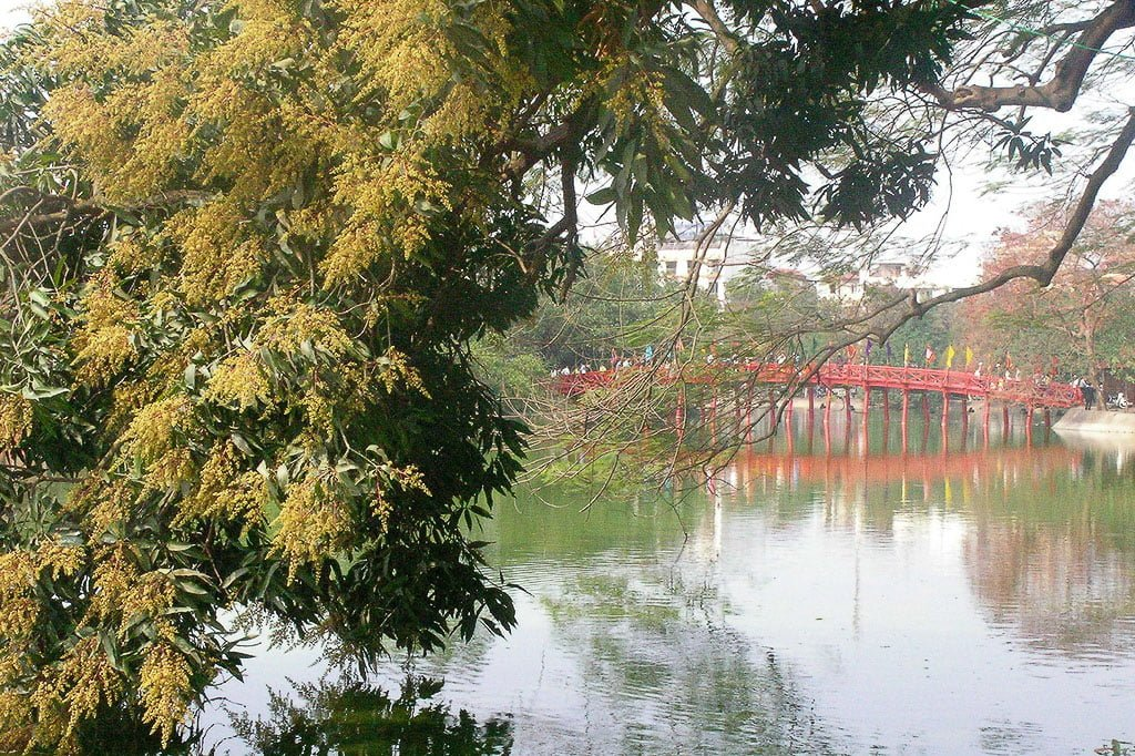 Hoan Kiem Lake I First Time Visitor Tips- Hanoi & Halong Bay_