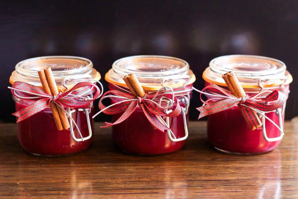 Candles in Jam Jars I Homemade Gift Ideas