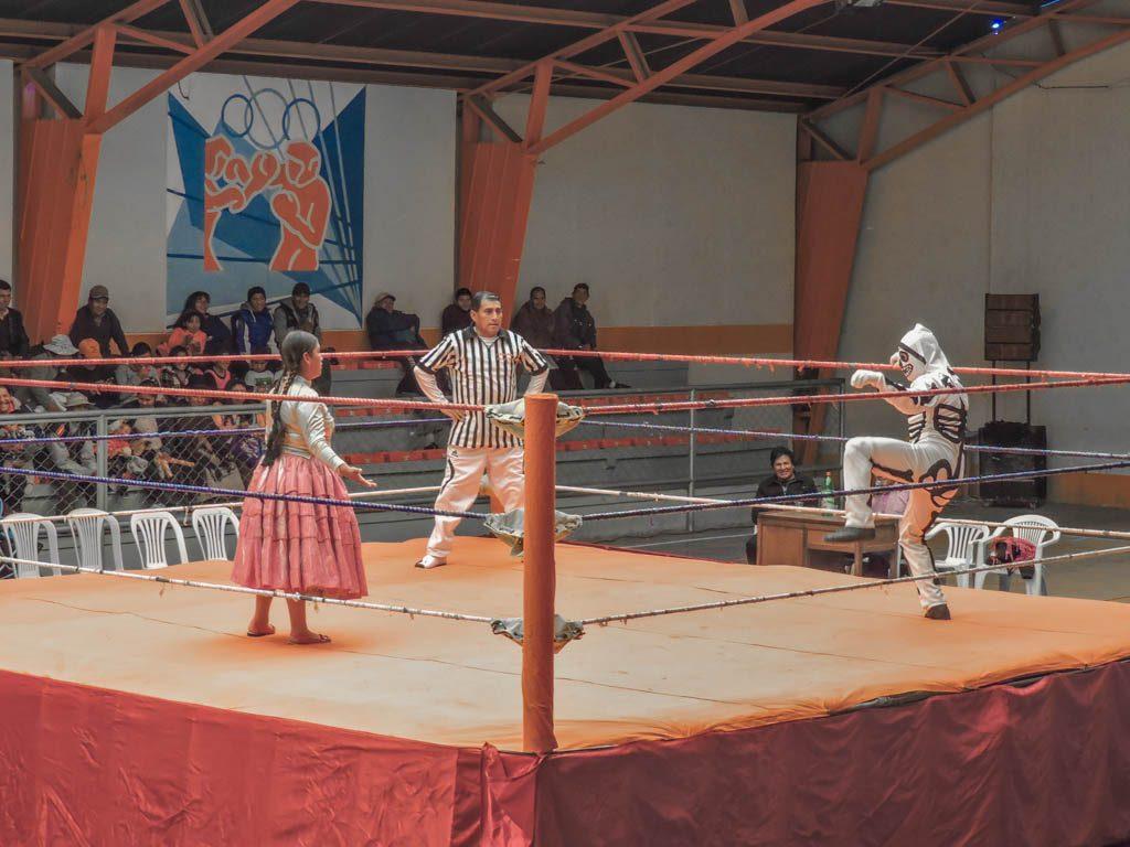 Cholita Wrestling in La Paz I 10 Things to do in La Paz
