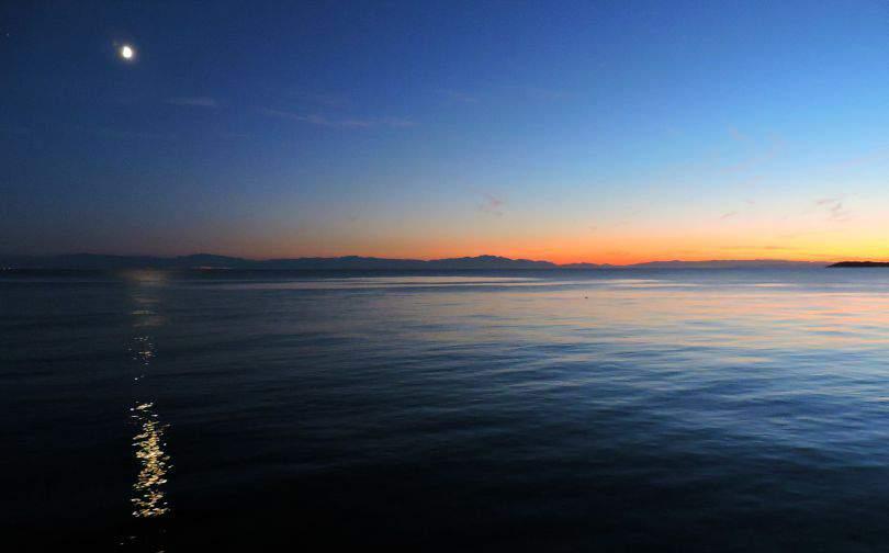 Davies Bay Sunshine Coast Sunset and Moon Photo of the Fortnight 11