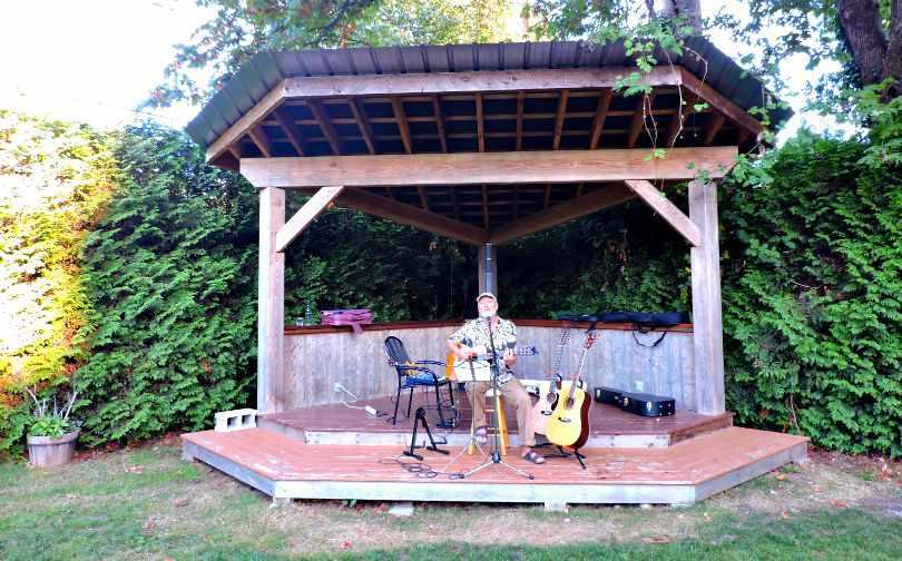 The Gumboot Roberts Creek Music