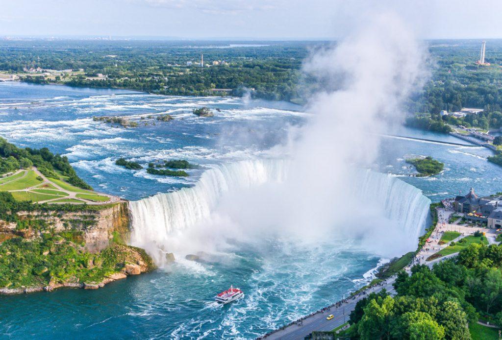 Niagara Falls tours from Canada