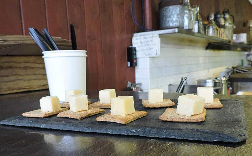 Beechers Homemade Cheese Pike Place Market Savor Seattle Food Tours Seattle - Seattle Tips