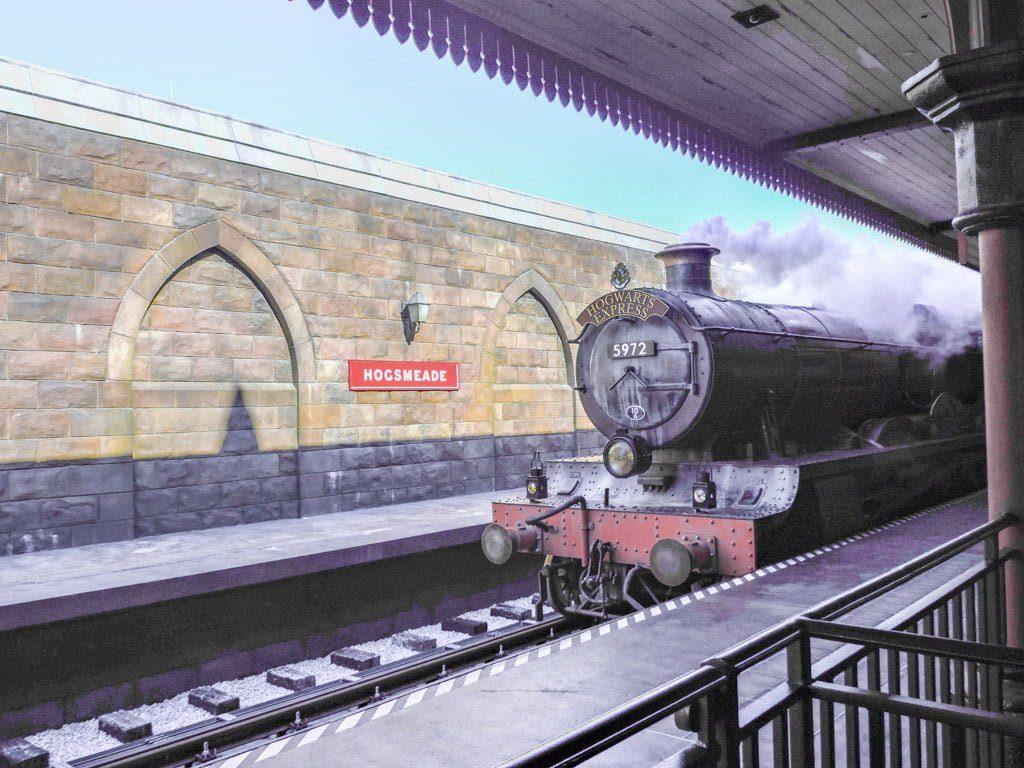 Harry Potter Train Universal Studios   Orlando on a Budget