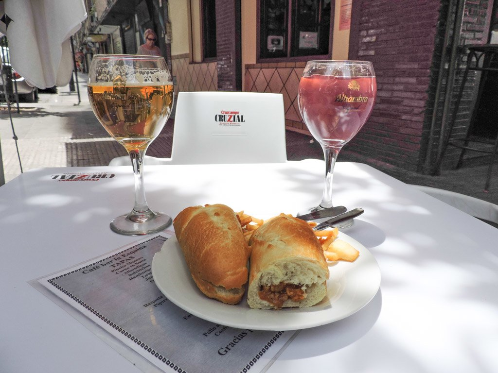 10 fun things to do in granada on a budget tapas with drinks i granada spain i 10 things to do in granada on a budget solutioingenieria Choice Image