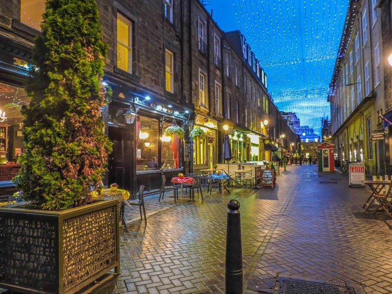 Rose Street | 70 things to do, see, eat in Edinburgh