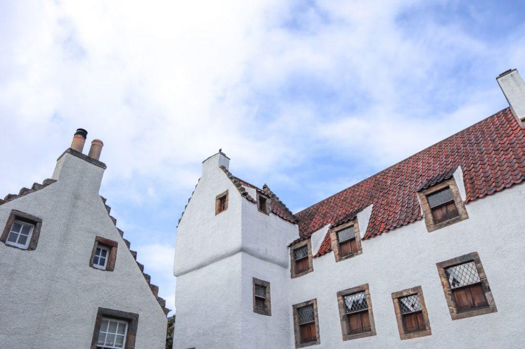 Geillis Duncan House Culross Outlander_