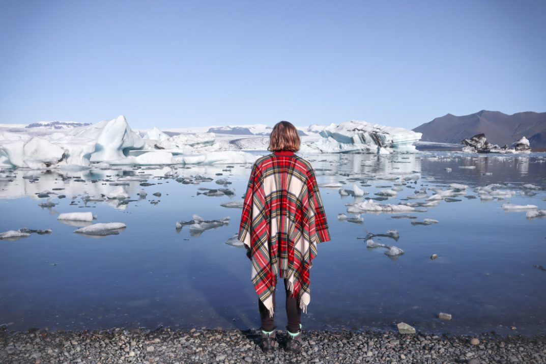 4 Days in Iceland, girl at Jokulsarlon Diamond Beach