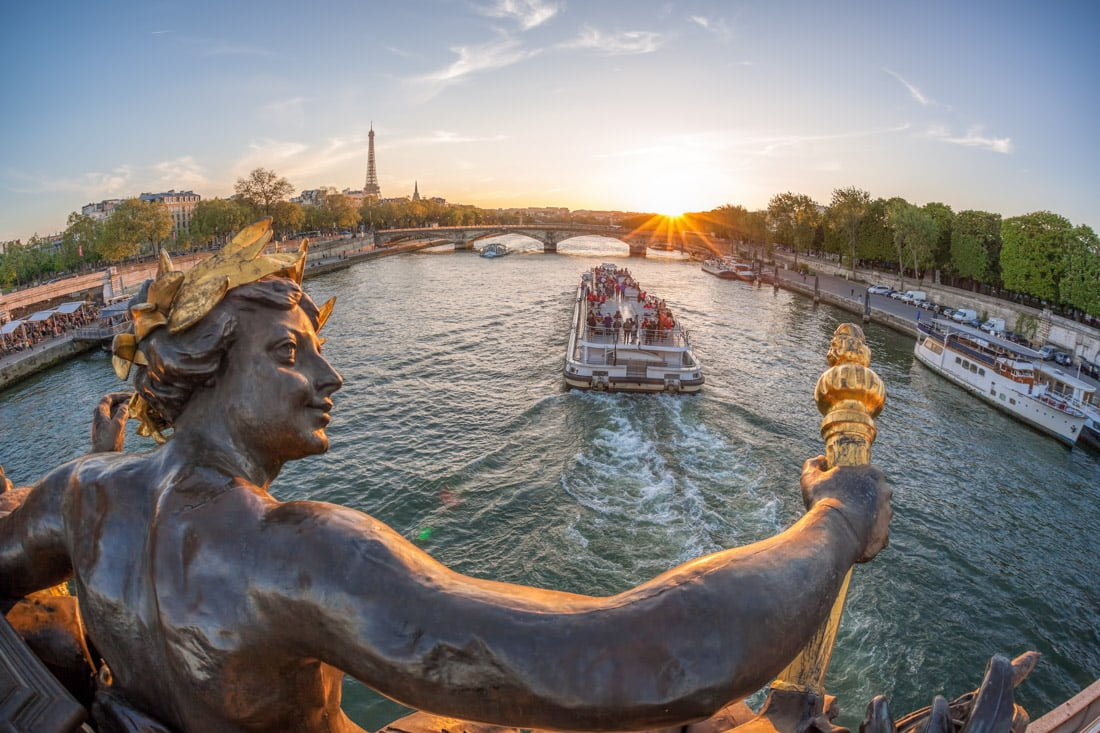Seine River cruise, Paris France tour
