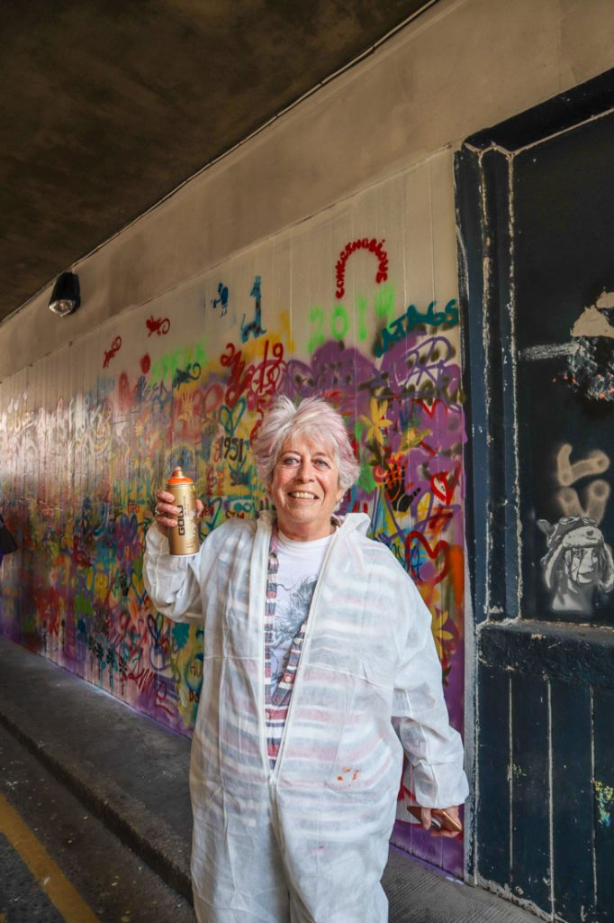 Anne LA65 Granny Grafitti Yule Nuart