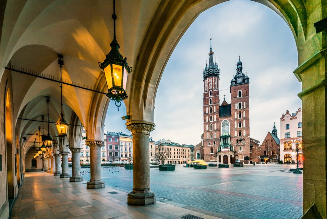 3 Day Krakow Itinerary. Krakow square framed by arch