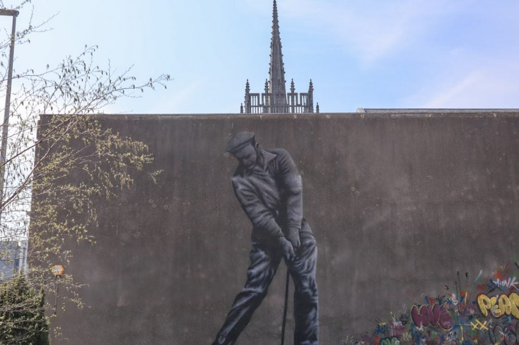Martin Whatson Nuart 2017 golfer on wall