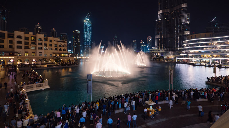 Dubai Fountain with tourists