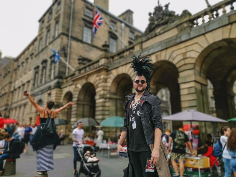Fringe Performer on Royal Mile Edinburgh_