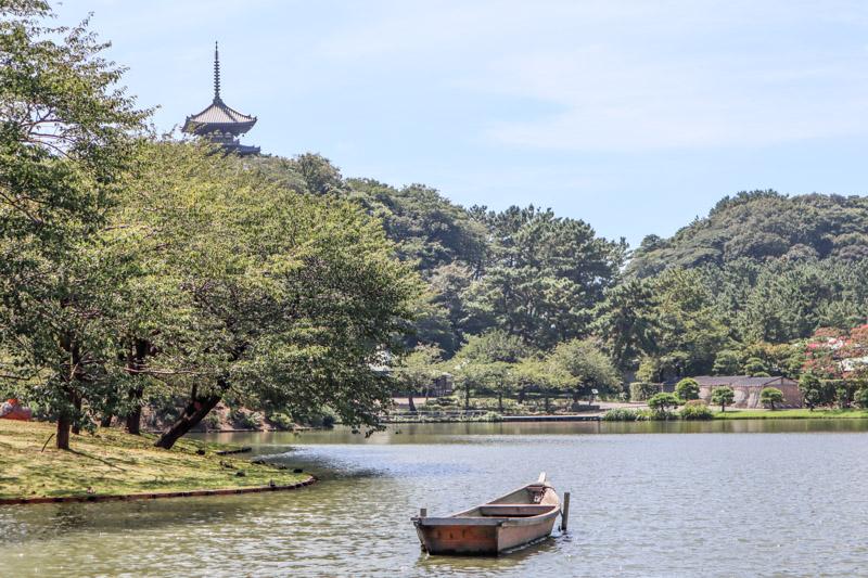 Sankeien Garden lake boat