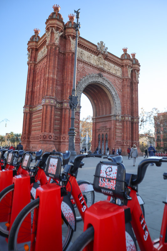 Arco de Triunfo de Barcelona bikes