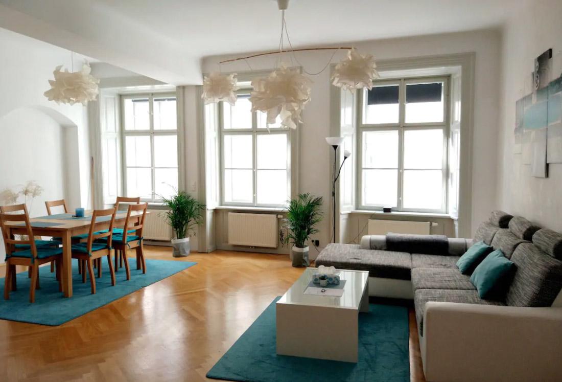 23 Lovely Airbnb Rentals In Vienna + Map